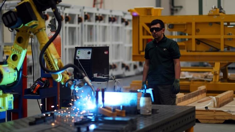 Todos los rubros industriales registraron caídas en el primer mes del año (Reuters/Marcos Brind)