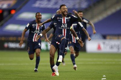 PSG se coronó campeón de la Copa de la Liga (COVID-19) REUTERS/Christian Hartmann