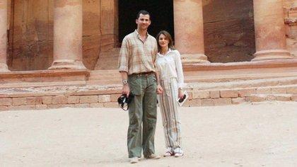 El Príncipe Felipe y la Princesa Letizia de luna de miel en Petra , Jordania, el 31 de mayo de 2004 (Shutterstock)