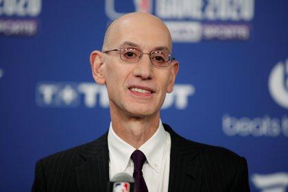 Adam Silver, uno de los que impulsó a que la NBA pudiera tener acceso total a la intimidad de los Bulls de Jordan y compañía en la temporada 97-98 (REUTERS/Benoit Tessier)