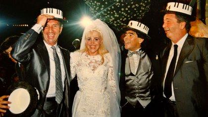 Los atuendos de Claudia Villafañe y Diego Maradona en su boda también fueron diseño de Elsa Serrano