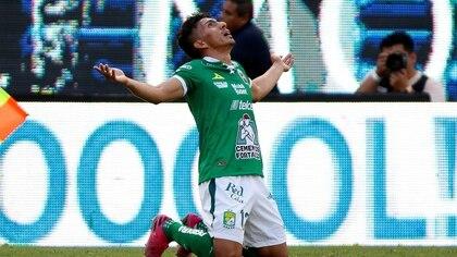 El ecuatoriano Ángel Mena anotó uno de los goles que dieron el triunfo a los Esmeraldas (Foto: Efe)