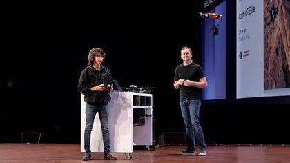 Una demostración del uso de un drone DJI, una de las compañías con las cuales Microsoft hizouna alianza