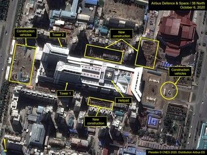 Una imagen satelital anotada muestra el Hospital General de Pyongyang y la construcción circundante antes del 75º aniversario de la fundación del Partido del Trabajo gobernante en Pyongyang, Corea del Norte, el 6 de octubre de 2020. Imagen tomada el 6 de octubre de 2020.
