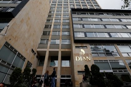 Facade of Colombian fiscal authority (DIAN) is picturedin Bogota, Colombia April 10, 2019. REUTERS/Luisa Gonzalez