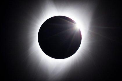 Historias e interpretaciones diversas son las halladas al describir los eclipses solares