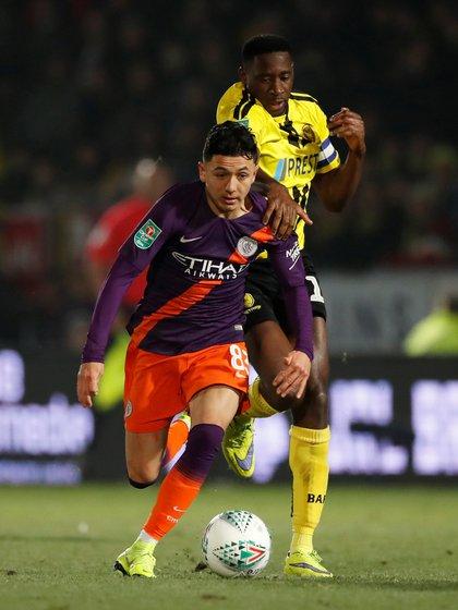 Poveda firmó con el Leeds en enero proveniente del Manchester City (Foto: Reuters)