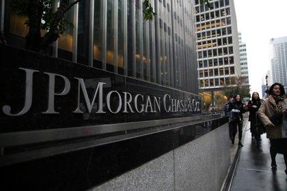 El logo de JP Morgan Chase Bank en su sede en Manhattan, Nueva York, EE. UU., 13 de noviembre de 2017. Foto de archivo. REUTERS / Amr Alfiky