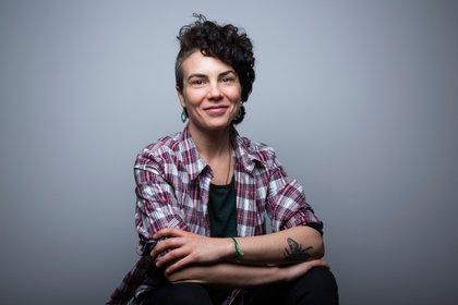 Retrato de Flavia Broffoni, autora de Extinción (Editorial Sudamericana). Foto: @renatasanzfuganti.