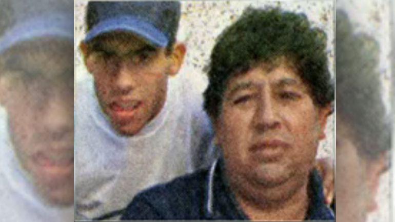 Carlos Tevez junto a su padre, Segundo, que murió este domingo a los 58 años