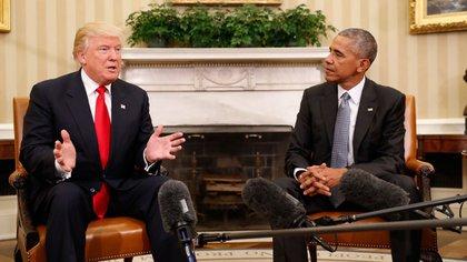Donald Trump tras su reunión con Barack Obama (AP)