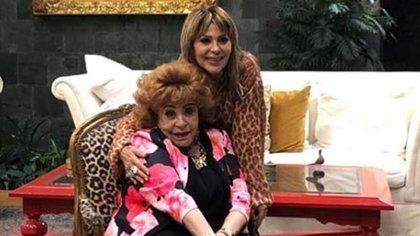 Silvia Pinal y Alejandra Guzmán (IG: silvia.pinal.h)