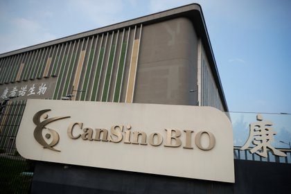 México espera firmar la próxima semana el contrato de la vacuna con CanSino Biologics. (Foto: Thomas Peter/Reuters)