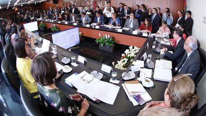 Las comisiones de Justicia, Salud y Estudios Legislativos Segunda deberán reunirse de nuevo para discutir el dictamen en lo particular (Foto: Senado de la República)