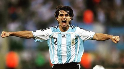 Roberto Fabian Ayala_Seleccion Argentina (instagram @football_vintage_classic)
