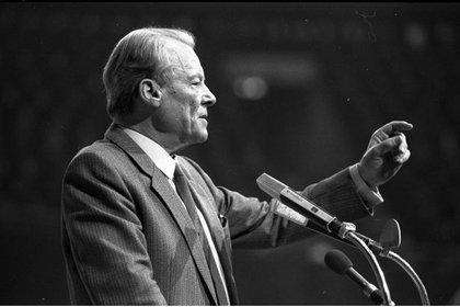 Willy Brandt, canciller de Alemania Occidental entre 1969 y 1974 (SPD-Wahlparteitag in der Dortmunder Westfalenhalle)