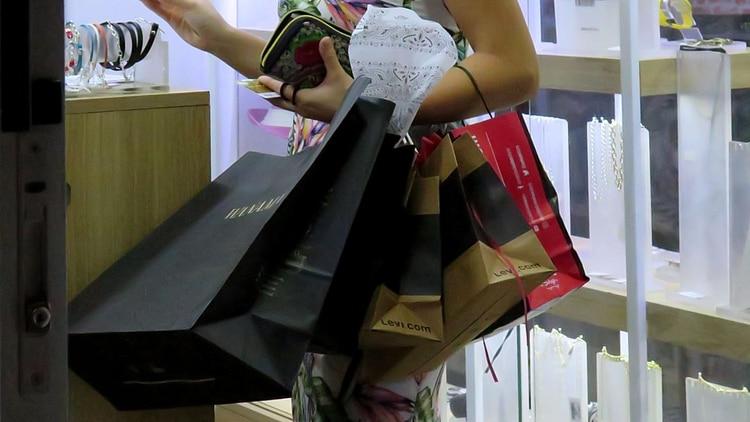 Otros tiempos: los centros de compras permanecen cerrados (Gustavo Gavotti)