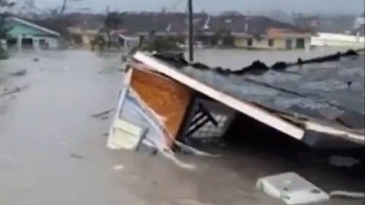 El huracán Dorian provocó fuertes destrucciones
