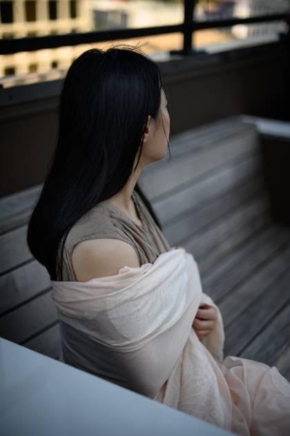 Liu Jingyao, estudiante de la Universidad de Minnesota que acusó al multimillonario chino Richard Liu de violación, en Minneapolis, el 4 de agosto de 2019. Las élites de China enfrentan poco escrutinio por reclamos generalizados de acoso sexual y asalto; las víctimas pueden enfrentar vergüenza en una escala asombrosa (Caroline Yang / The New York Times)