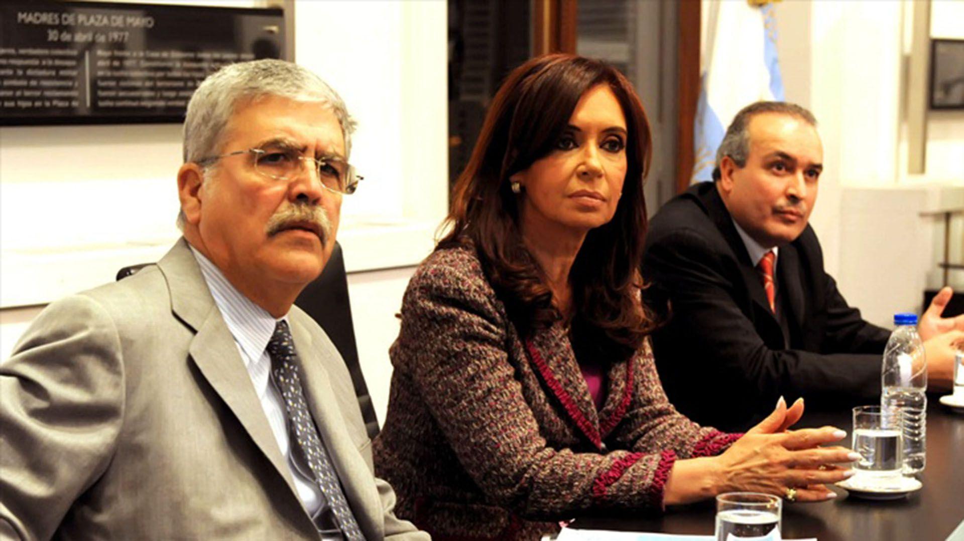 Julio de Vido, Cristina Kirchner y José López, cuando los tres aún integraban el Poder Ejecutivo