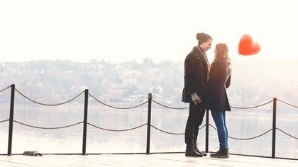 Según estudios, el amor obstaculiza las capacidades cognitivas (iStock)