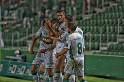 El Elche es otro de los equipos con futuro incierto en la Segunda división de España (Europa Press)