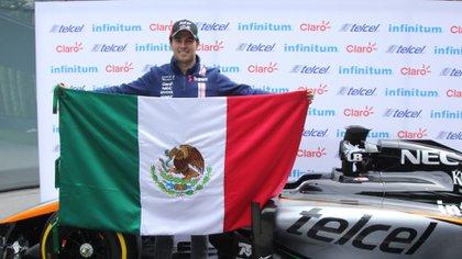 Checo Pérez, durante la conferencia de prensa previa al Gran Premio de México (Foto: Galo Cañas/ Cuartoscuro)