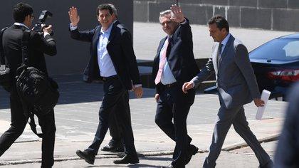 """Alberto Fernández junto a Eduardo """"Wado"""" de Pedro y Sergio Massa (Foto Maximiliano Luna)"""