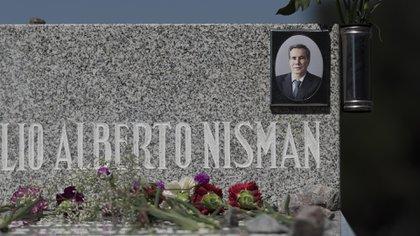 La tumba de Nisman, en el Cementerio Israelita de La Tablada (Foto: Adrián Escandar)