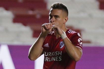 Rafael Santos Borré anotó dos tantos en la goleada de River ante Nacional por la Copa Libertadores (REUTERS/Raul Martinez)