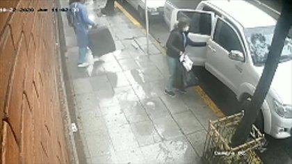 El dinero, las joyas y las otras pertenencias robadas, las guardaron en una valija y una bolsa