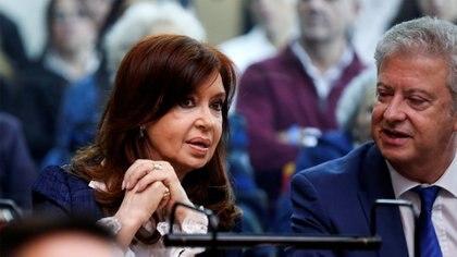 Cristina Kichner y su abogado en la primera audiencia del juicio oral por la obra pública