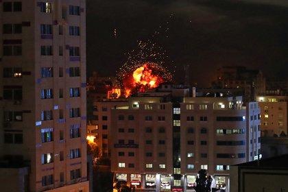 Israel bombardeó objetivos de Hamas en Gaza. (REUTERS/Suhaib Salem)