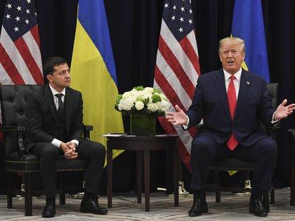 El presidente ucraniano, Volodomyr Zelensky junto al presidente de EEUU, Donald Trump, durante una reunión en Nueva York al margen de la Asamblea General de las Naciones Unidas (Photo by SAUL LOEB / AFP)