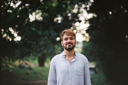 Nicolás es licenciado en Administración de Empresas, se crió en Zona Norte, pasó por varios trabajos en distintas compañias y ahora sueña con crecer en el exterior