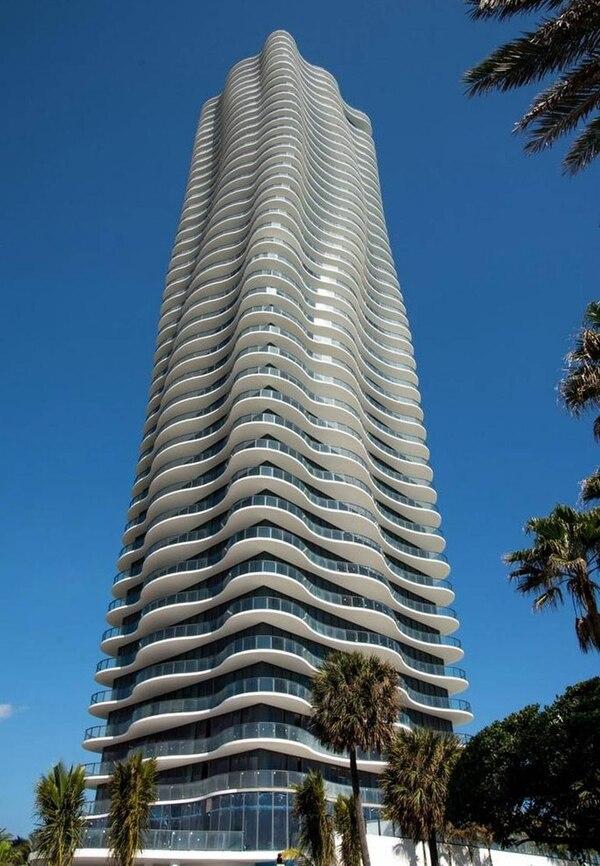 En este edificio de Miami, Muñoz compró propiedades con dinero que salió de Buenos Aires