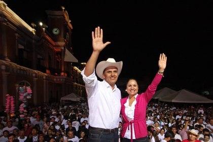 Imagen de archivo. Roberto Sandoval, exgobernador de Nayarit y su esposa, Ana Lilia López. (Foto: CUARTOSCURO)