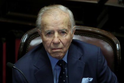 En la imagen un registro del expresidente Carlos Menem, quien falleció este domingo en Buenos Aires a los 90 años (EFE/Archivo)