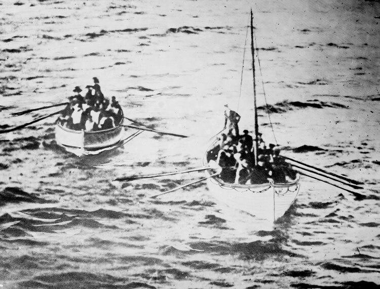 Los botes solo podían llevar la mitad de personas embarcadas
