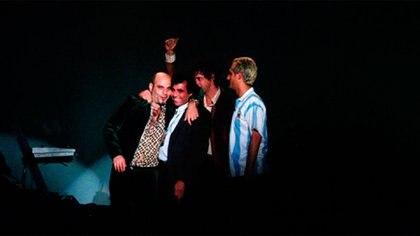 Los Soda junto al manager Daniel Kon en el cierre del recital
