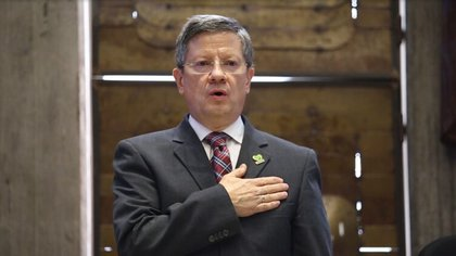 Gobernador de Antioquia advirtió que podría haber  130 muertes diarias por COVID-19 en el departamento