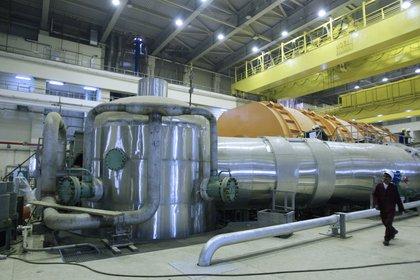 En esta foto de archivo tomada el 26 de octubre de 2010 se muestra el interior del reactor de la central nuclear de Bushehr, de construcción rusa, en el sur de Irán, a 1.200 kilómetros al sur de Teherán (afp)
