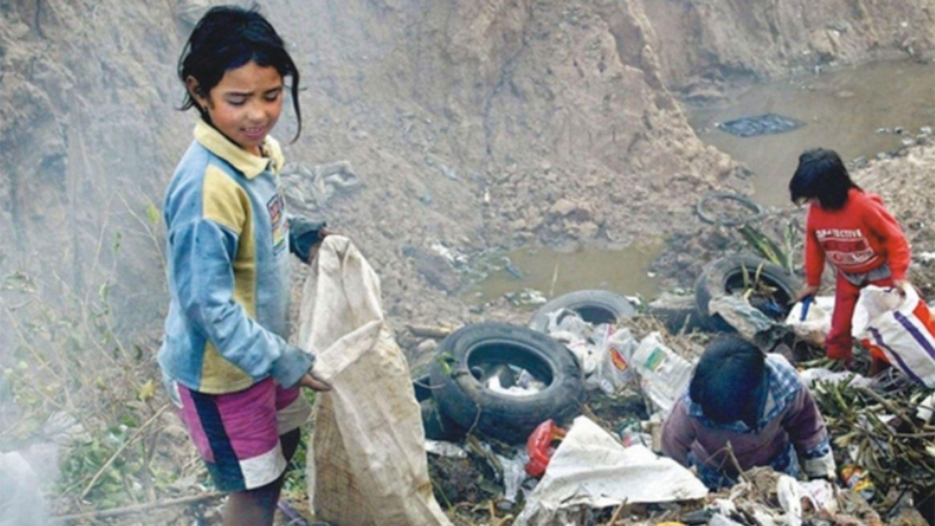 Según Unicef, la cantidad de niños pobres podría alcanzar a los 8 millones a finales de 2020