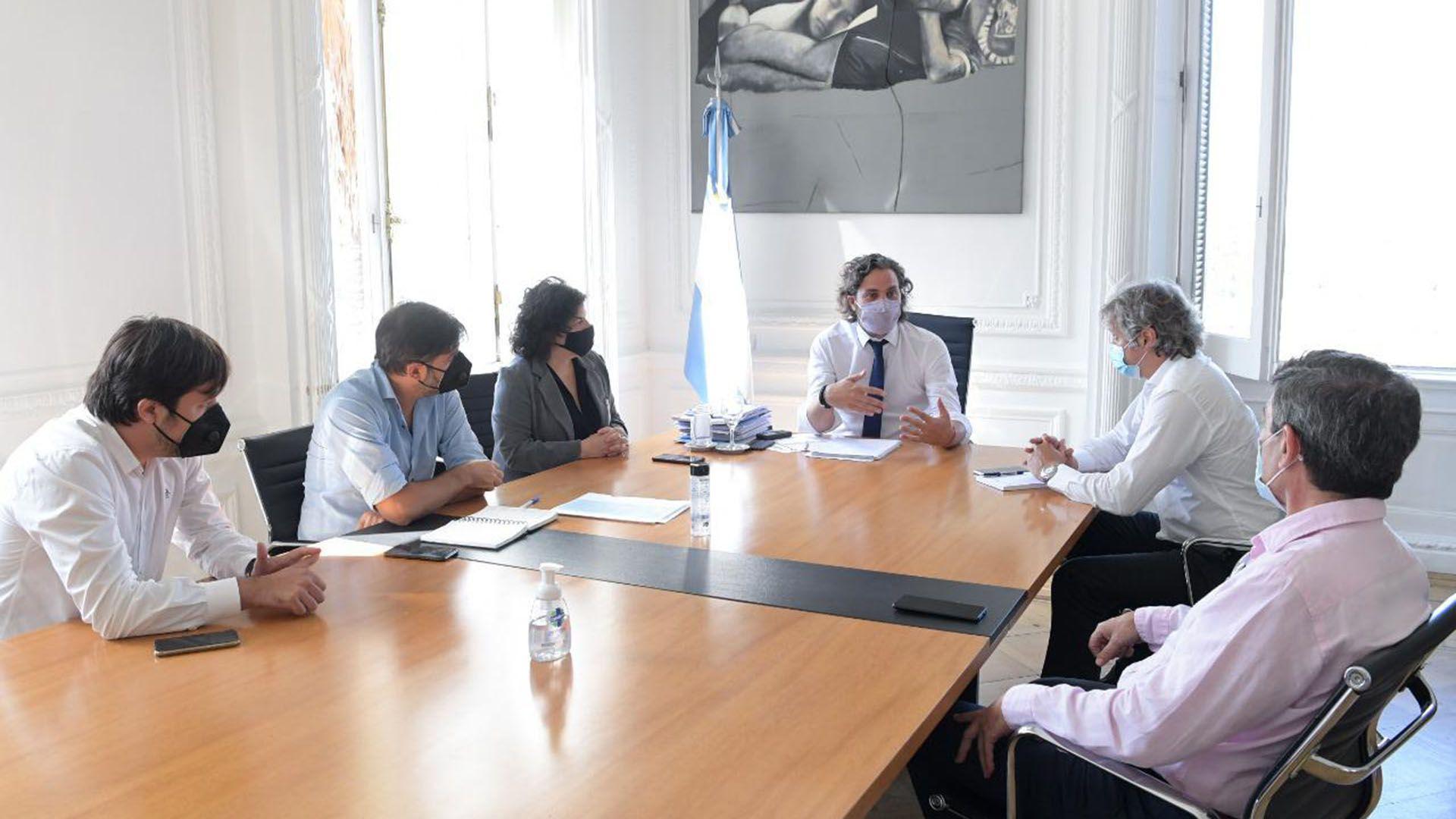 reunion suba de casos covid Reunion Cafiero Miguel Bianco
