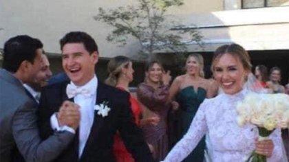 Claudia Torres Pavlovich y Héctor Bravo Mazón se casaron en Jalisco (Foto: Instagram@chicapicosa2)