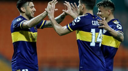 Soccer Football - Copa Libertadores - Independiente de Medellin v Boca Juniors - Estadio Atanasio Girardot, Medellin, Colombia - September 24, 2020? Boca Juniors' Eduardo Salvio celebrates scoring their first goal with teammates  Fernando Vergara/Pool via REUTERS