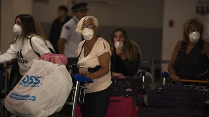 Aerolíneas Argentina informó que más de 25.000 argentinos regresaron al país desde las restricciones a los vuelos regulares (Adrián Escandar)