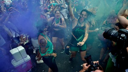 Los festejos de una multitud verde