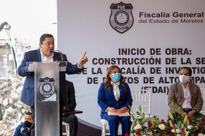 """De acuerdo con Carmona Gándara, existen diversos funcionarios públicos con el objetivo de """"apoderarse de la institución"""" (Foto: Twitter/@ElsaDelGonzalez)"""