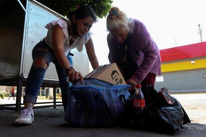 Las despensas repartidas en por la hija del Chapo en Guadalajara se entregaban a personas de escasos recursos (Foto: Archivo)